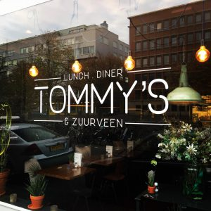 Tommy's & Zuurveen voorkant